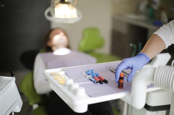 vivre avec bagues dentaires